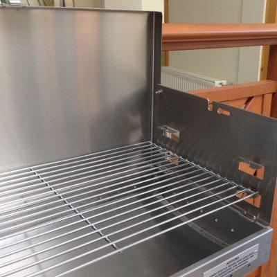LEEB-Balkongrill aus Aluminium - mit seitlichem Schutz vor Fettspritzern