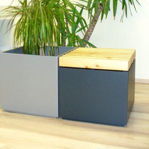 Platzsparende Relaxbank - passt ideal zu LEEB Blumentöpfe